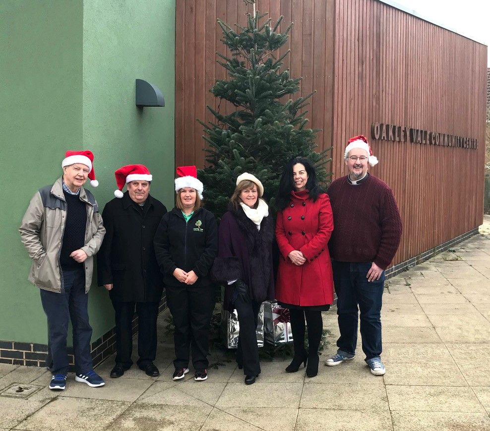 Allison Homes lights up Christmas in Oakley Vale Donation to community centre